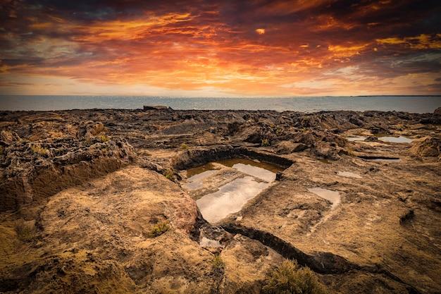 Mare ã¢â€â‹ã¢â€â‹vista dagli scogli di vendicari nella riserva naturale.