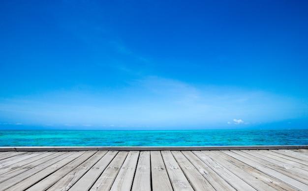 Mare in spiaggia di zanzibar. paradiso naturale dell'acqua tropicale. la natura si rilassa. viaggio resort isola tropicale.