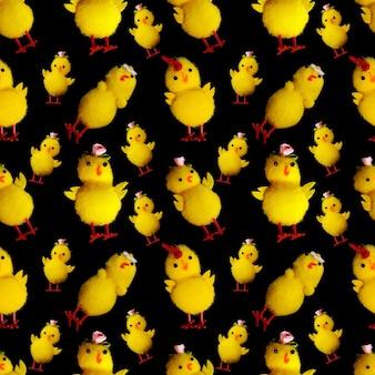 Modello senza cuciture di polli giocattolo isolati su sfondo nero. foto di alta qualità