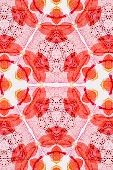 Seamless sfondo rosso modello astratto con fiori decorativi e foglie su uno sfondo bianco.