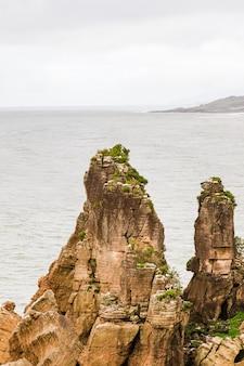 Paesaggi marini del parco nazionale di paparoa in nuova zelanda