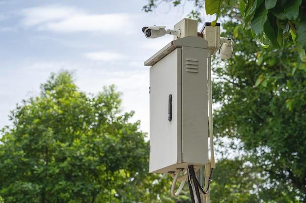Sistema di telecamere a circuito chiuso di sicurezza nel parco
