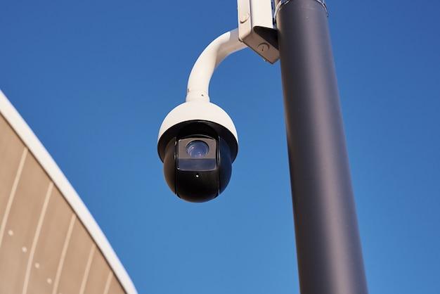 Primo piano della telecamera cctv di sicurezza e controllo video