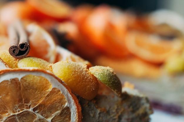 Macro del dessert dell'agrume del fuoco selettivo