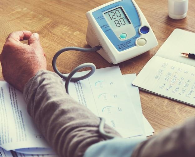 Concetto senior di stile di vita di benessere di sanità