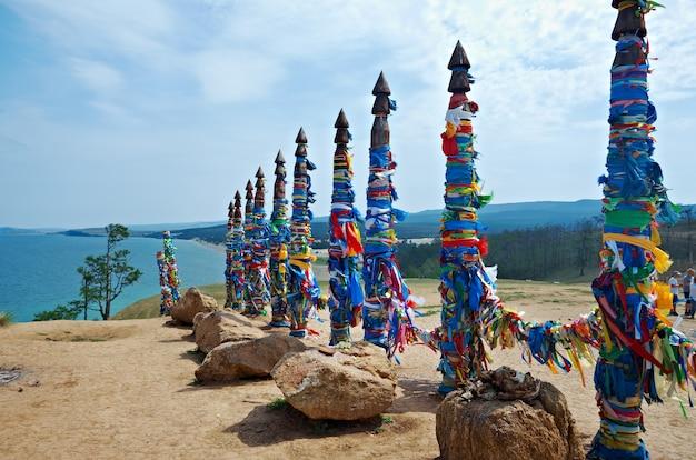 Serge - pilastri sull'isola di olkhon, lago baikal, siberia, russia