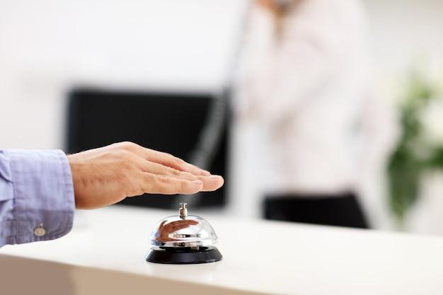Campanello di servizio in hotel
