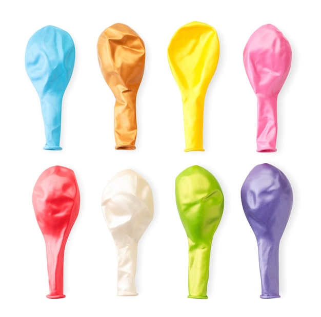 Una serie di palloncini colorati isolati su sfondo bianco