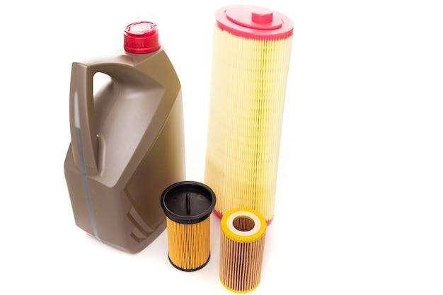 Set di filtri e olio per un motore a combustione interna, vista dall'alto