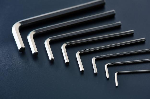 Set di punte esagonali, primo piano. strumento professionale, attrezzatura da lavoro, utensili per avvitare, kit di attrezzi di tipo esagonale