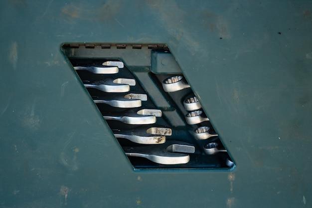 Set di chiavi a bussola in scatola di plastica set di strumenti per la riparazione dell'auto
