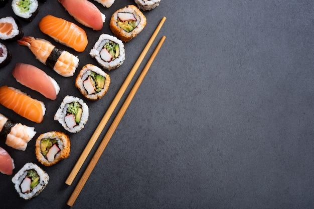 Set di cibo sushi con spazio di copia