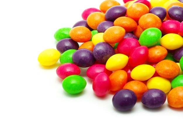Set di dolci confetti di colore diverso