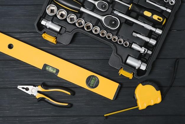 Set di strumenti per la riparazione di auto in scatola, primo piano