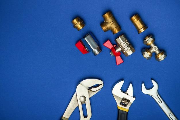 Un set di strumenti per l'impianto idraulico