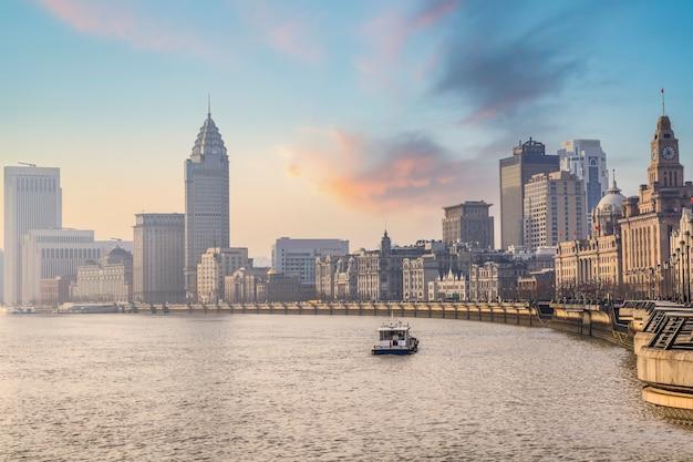 Paesaggio della vecchia costruzione di shanghai bund