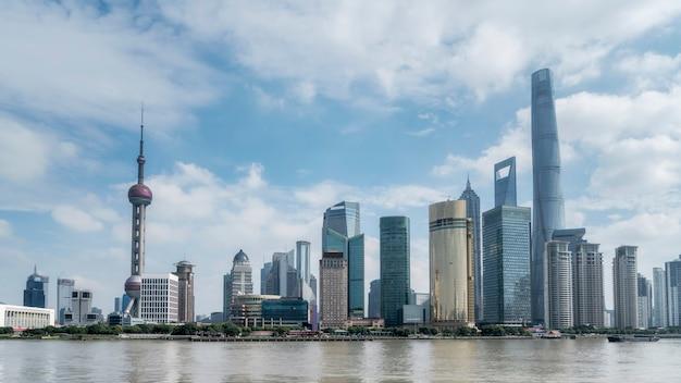 Edificio per uffici del distretto finanziario di shanghai lujiazui