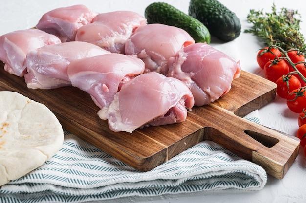 Ingredienti shawarma con cosce di pollo