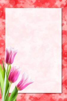 Foglio di carta e fiori di tulipano