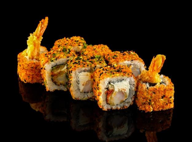 Rotolo di shichimi. impostare il rotolo di sushi.