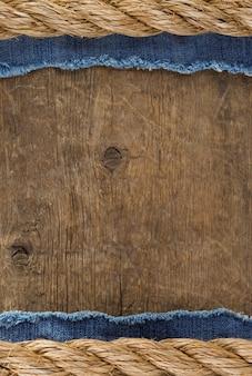 Corde della nave su struttura di legno