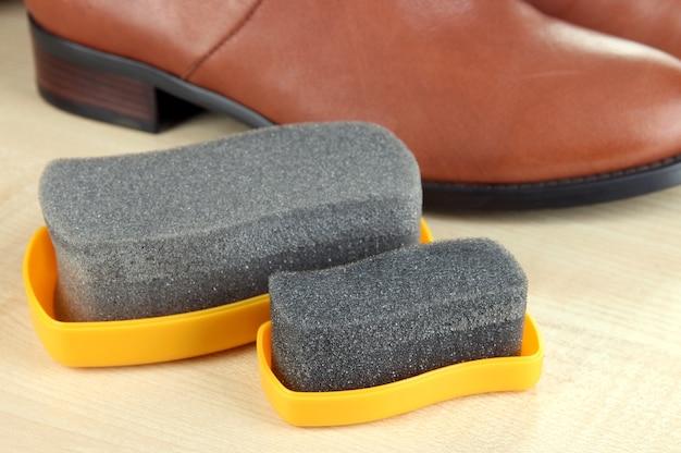 Lucidatura scarpe da vicino