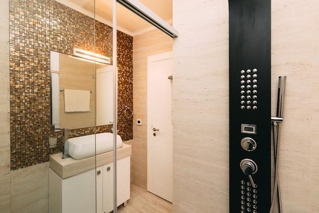 Soffione doccia in bagno