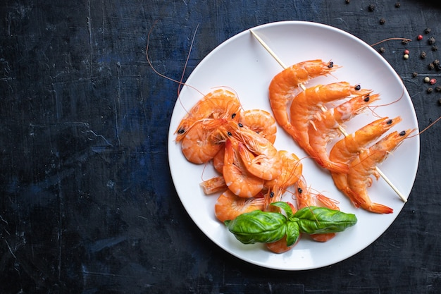 Gamberetti kebab frutti di mare spiedino gamberi spezie marinata spuntino