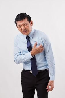 Uomo malato con attacco di cuore