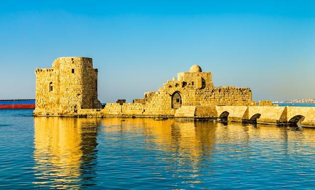 Castello sul mare di sidone in libano