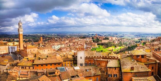 Siena, bellissima città medievale della toscana, italia Foto Premium