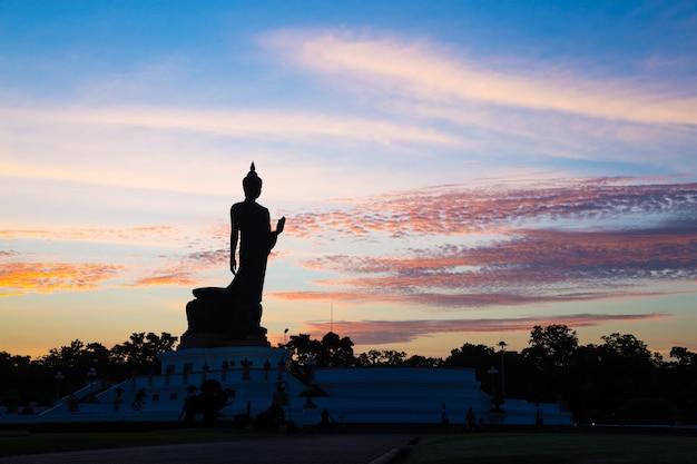 Buddha pubblico silhouette