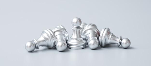La figura del pedone degli scacchi d'argento si distingue dalla folla di nemici