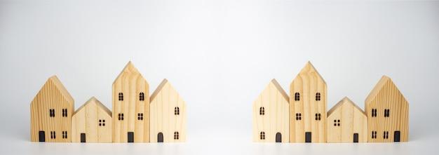 Casa in legno simulata