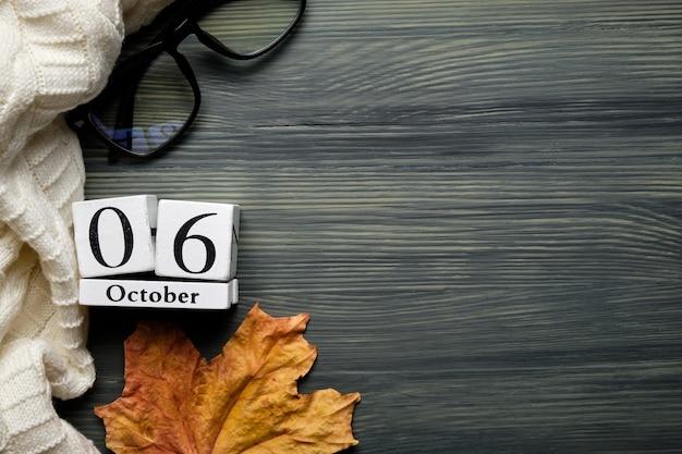 Sesto giorno del mese di autunno del calendario ottobre con lo spazio della copia