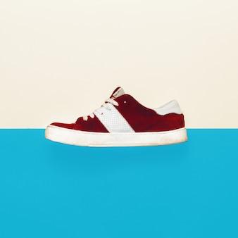 Stile skateboard. scarpe da ginnastica alla moda. design minimale