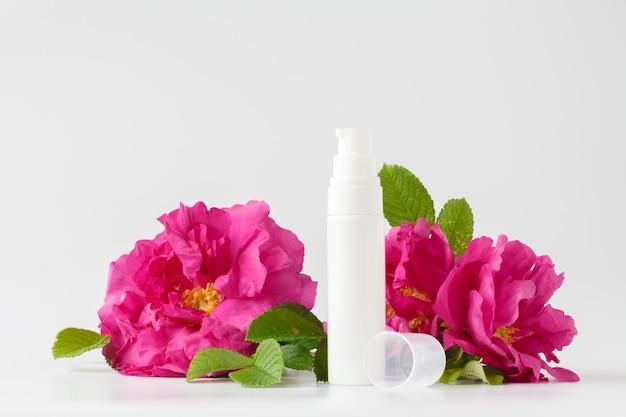 Trattamento di bellezza per la cura della pelle con rosa
