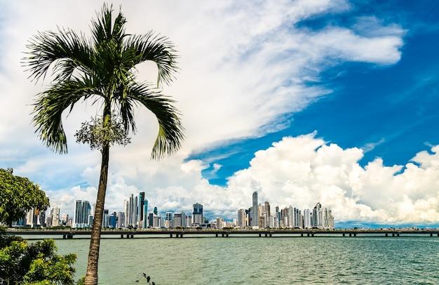 Skyline di panama city, la capitale di panama