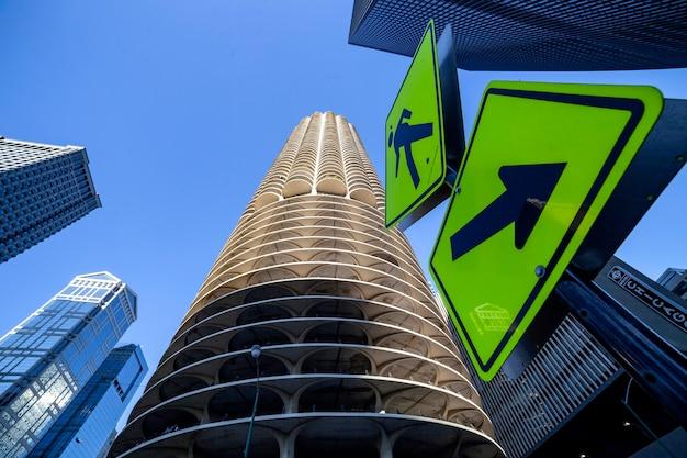 Grattacieli nel centro di chicago, città marina, bertrand goldberg