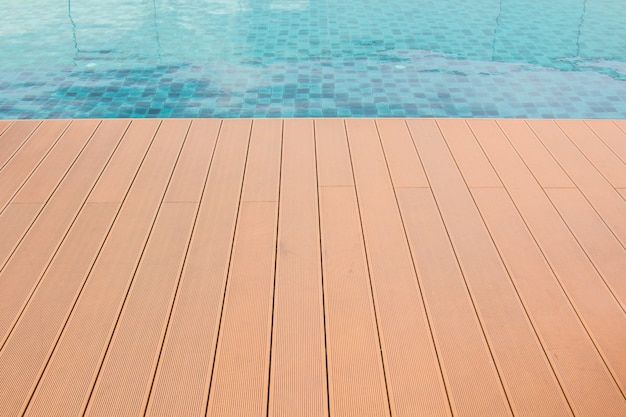 Lamella della piscina a bordi lunghi