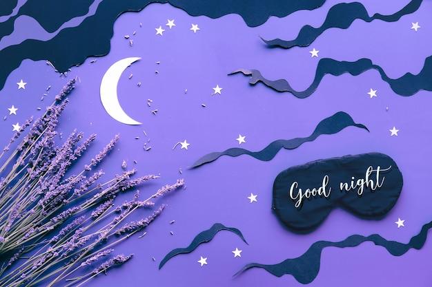 Maschera per dormire con lavanda sul colore viola
