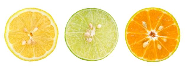 Fetta di limone, arancia e lime isolato su bianco