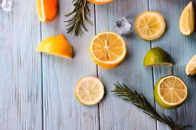 Frutta a fette di limone
