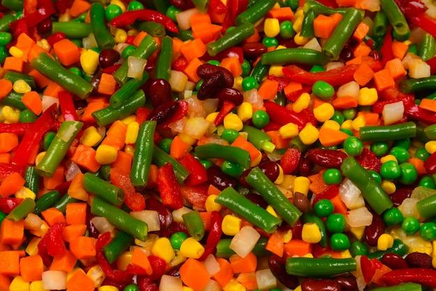 Verdure a fette, mais, fagioli, piselli, carote, peperoni dolci