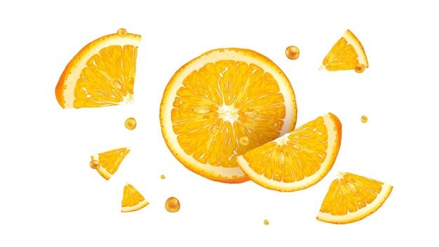 Fette di arancia fresca con gocce di succo in volo.