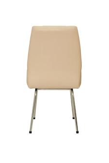 Piccola sedia da ufficio in pelle beige in stile rigoroso su sfondo bianco, vista posteriore