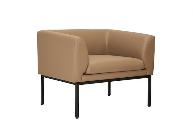 Piccolo divano in pelle beige in stile rigoroso isolato su sfondo bianco, vista laterale