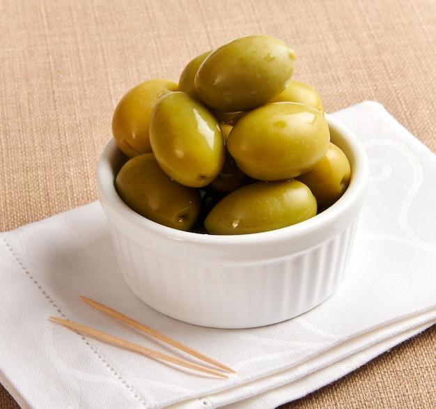 Ciotolina di grandi olive verdi siciliane