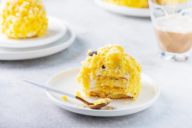 Mimosa piccola torta
