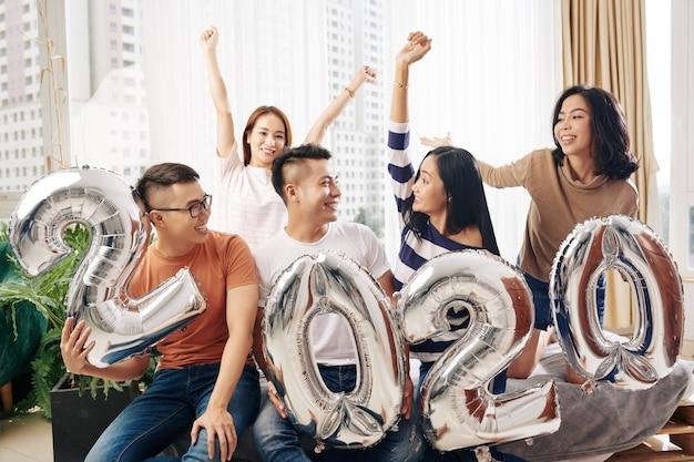 Piccola festa di capodanno con gli amici